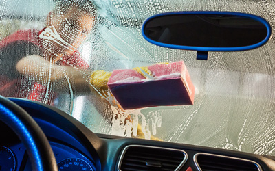 How to Clean Your Car Windscreen for Sparkling Results